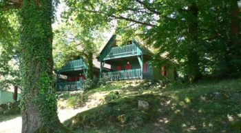 Camping-Fougeres—chalets