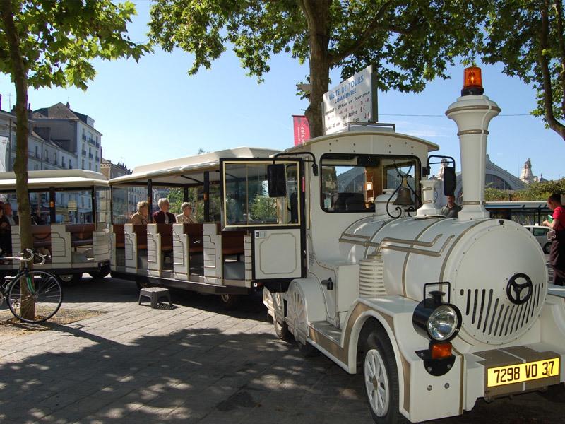 Tours Tourist train à TOURS ©