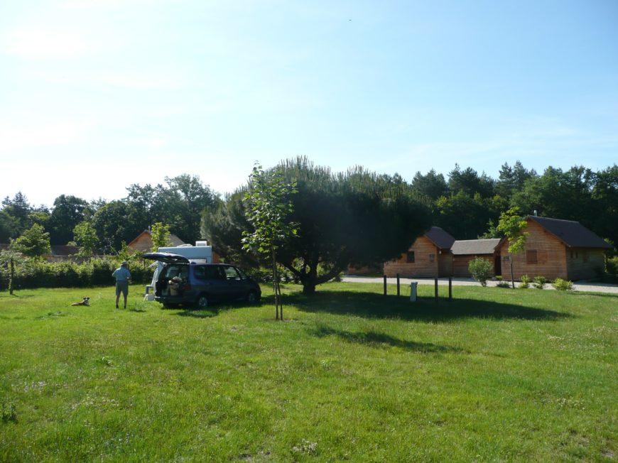 Aire de stationnement pour camping-cars – Domaine du Ciran Ménestreau en Villette à MENESTREAU-EN-VILLETTE ©
