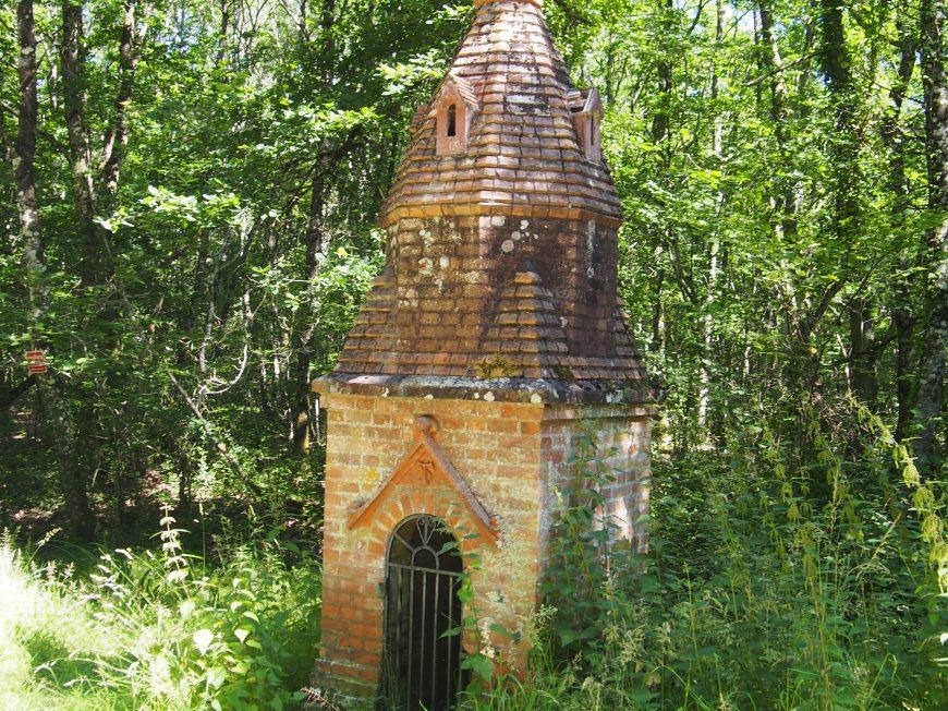 Fontaine de dévotion Saint-Thibault à MENESTREAU-EN-VILLETTE ©