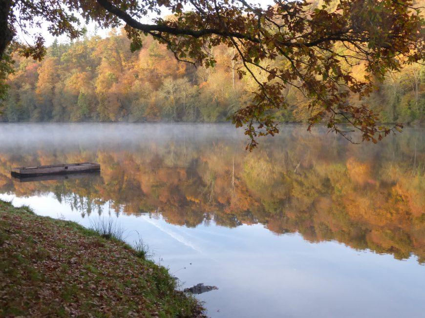 The Roche aux Moines lake à GARGILESSE-DAMPIERRE © OT Vallée de Creuse