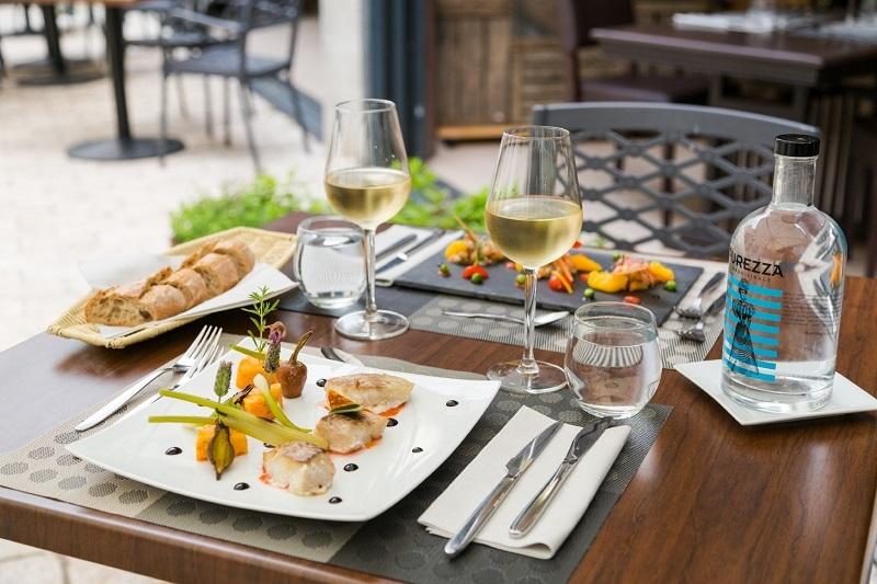 Restaurant le Domaine des Thomeaux à MOSNES ©