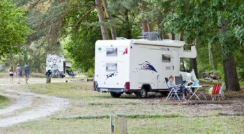 camping-huttopia-rille-aire-camping-car