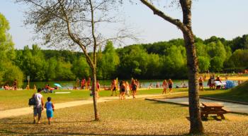 hommes-lacs-aout-baignade-OTTN-AJ-68-