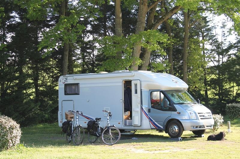 Camping Les Acacias à LA VILLE-AUX-DAMES - 9  ©