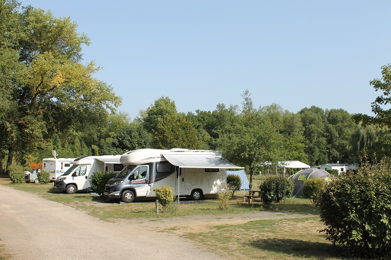 Camping Les Acacias à LA VILLE-AUX-DAMES - 12  ©