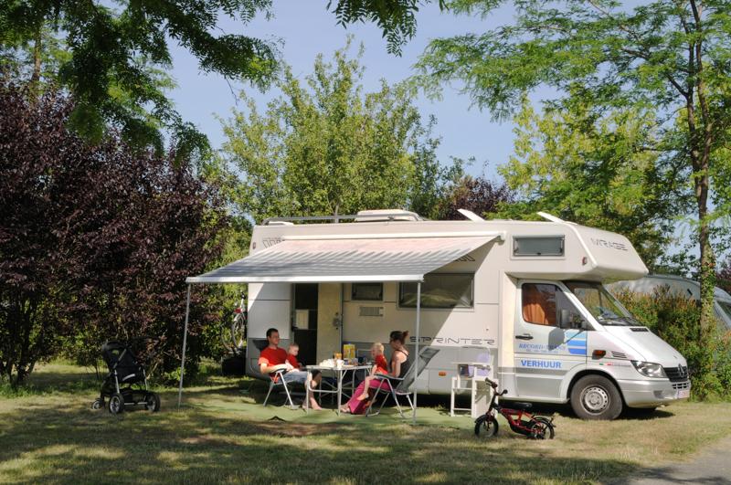 Camping Parc de Fierbois à SAINTE-CATHERINE-DE-FIERBOIS - 7  ©