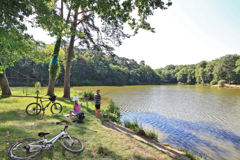 Camping Parc de Fierbois à SAINTE-CATHERINE-DE-FIERBOIS - 4  ©