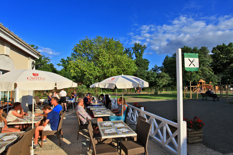 Camping Parc de Fierbois à SAINTE-CATHERINE-DE-FIERBOIS - 2  ©