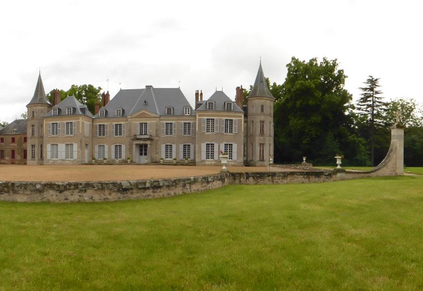Château de Cambray à EOLE-EN-BEAUCE © Château de Cambray