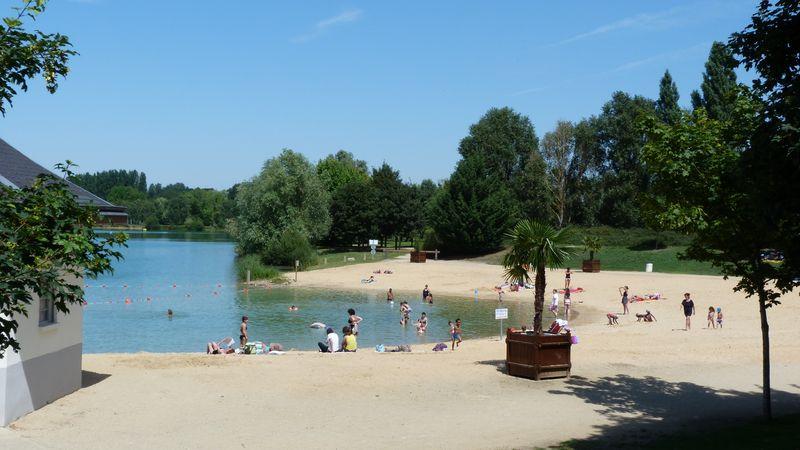 Base de loisirs au lac de Chalette-sur-loing à CHALETTE-SUR-LOING ©  F. Maret