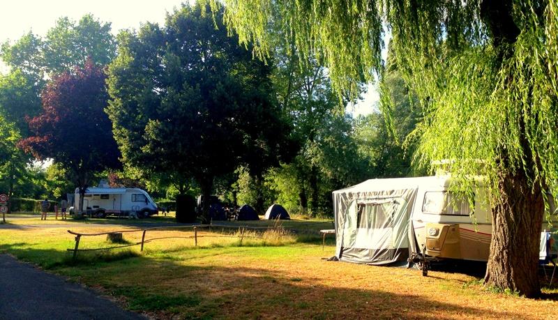 Bornes camping car à BUZANCAIS © Camping de la Tête Noire