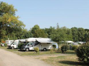 Camping Les Acacias à LA VILLE-AUX-DAMES - 12  © Camping Les Acacias