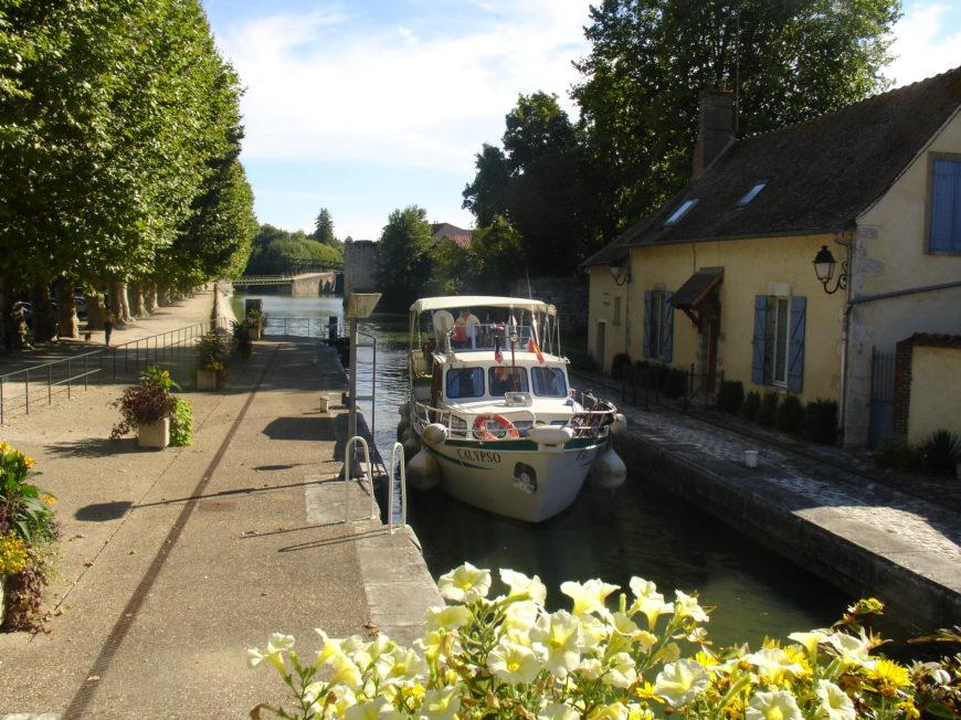 Canal de Briare et ses écluses à MONTARGIS © OT AME