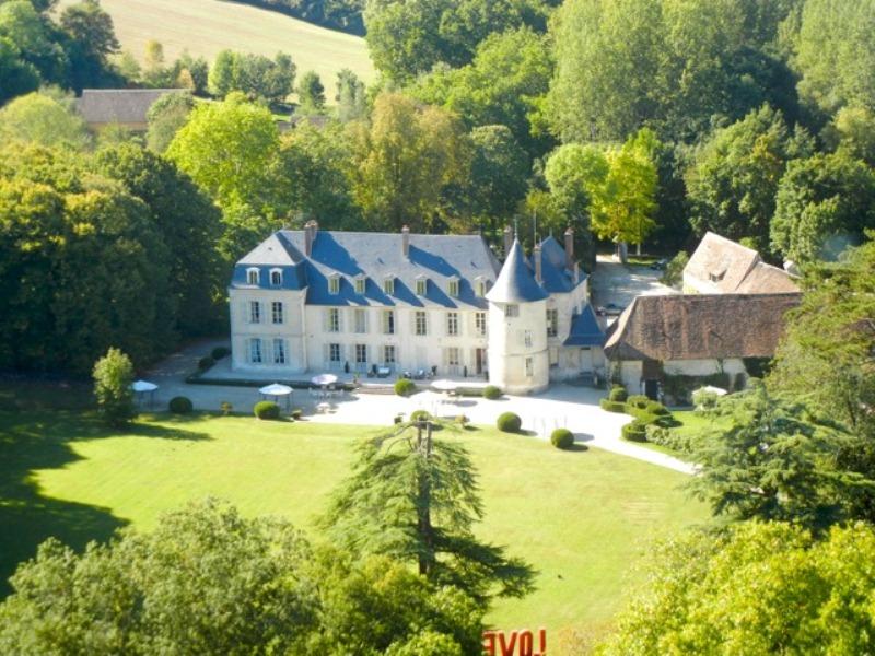 Château de Changy à GY-LES-NONAINS ©  Château de Changy