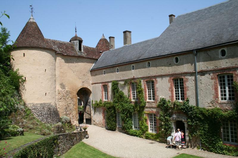 Galerie d'exposition au Château de Gargilesse à GARGILESSE-DAMPIERRE ©  ADTI