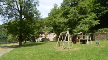 Chateaubrun—Camping—aire-de-jeux