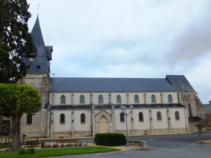 Halle et église Notre-Dame à ASCHERES-LE-MARCHE © SCP