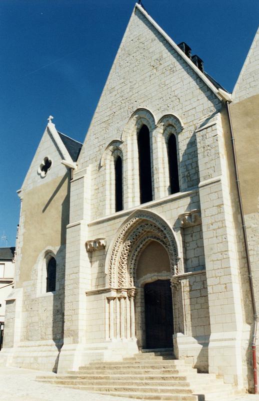 Eglise Notre Dame et Nativité du XVII° siècle à NOGENT-LE-ROTROU - 2  © CDT 28