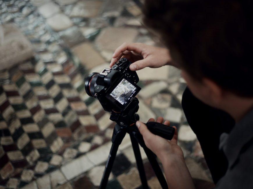 Exposition temporaire : «Des tapis de marbre pour saint Benoit, le pavement en opus sectile de Saint-Benoît-sur-Loire»» à SAINT-BENOIT-SUR-LOIRE © DTMC productions