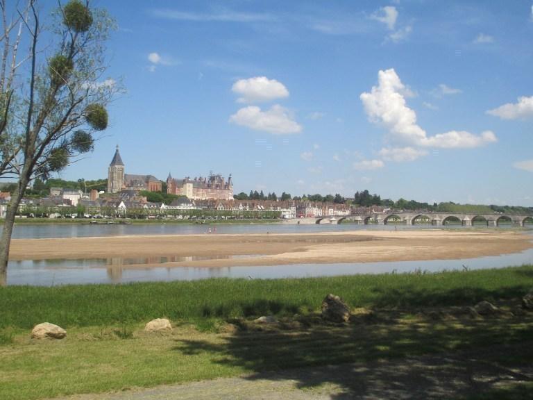 Roulottes Insolites des bords de Loire à POILLY-LEZ-GIEN © Camping Touristique de Gien