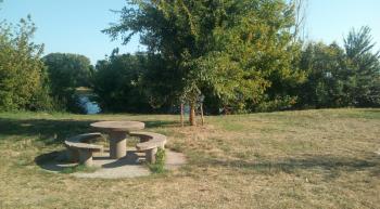Aire de pique-nique à Beaugency (à proximité du labyrinthe)