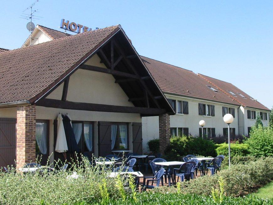Kyriad Hôtel à AMILLY - 1