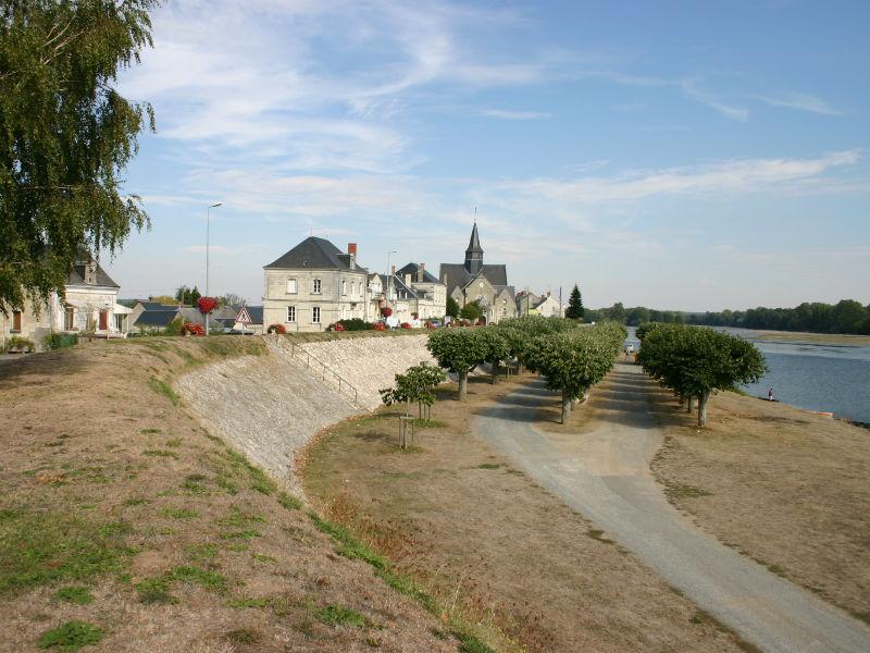 Camping municipal de La Chapelle-sur-Loire à LA CHAPELLE-SUR-LOIRE ©  J. Fouquet