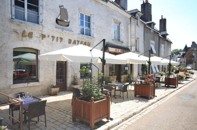 Le P'tit Bateau à BEAUGENCY ©  Office de Tourisme des Terres du Val de Loire