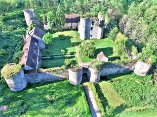 Visites au Château de Mez le Maréchal à DORDIVES - 3  © Drone Sky Picture