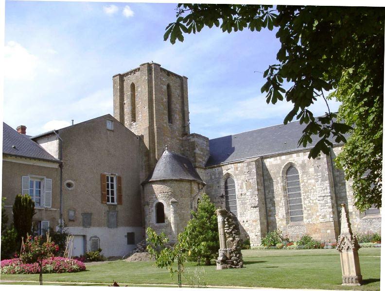 Vestiges de la Collégiale Saint-Georges à PITHIVIERS © OT Pithiviers