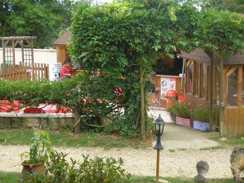 Camping Le Bois Jahan à ARCISSES - 4  © Camping Le Bois Jahan