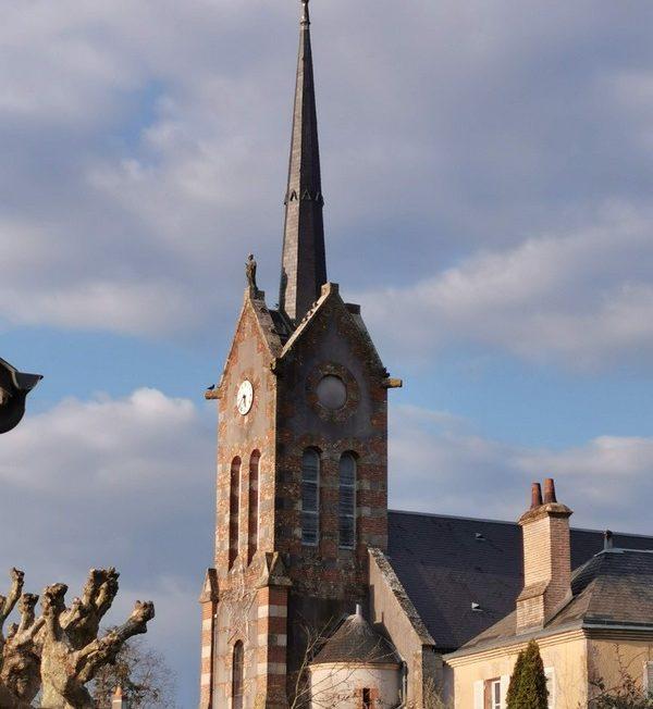 Eglise Saint-Sulpice à SULLY-LA-CHAPELLE © OTI-Gibault