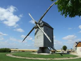 Grand moulin de Ouarville à OUARVILLE © Grand moulin de Ouarville