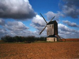 Moulin à vent «Fernand Barbier» à LEVESVILLE-LA-CHENARD - 6  © Moulin à vent