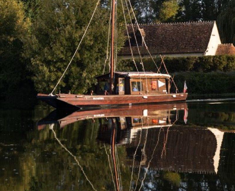 Promenades en bateau traditionnel Valchantray à ATHEE-SUR-CHER © Valchantray