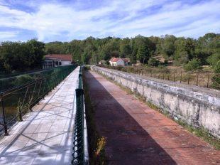 Pont-canal de la Tranchasse à COLOMBIERS - 3  © J-P Gilot