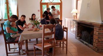 Repas-de-famille-au-Domaine-de-Boisvinet-au-Plessis-Dorin