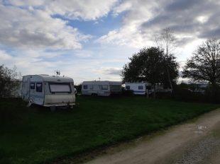 Camping de l'aéroport à SAINT-DENIS-DE-L'HOTEL - 2  © OTI VdL&FdO