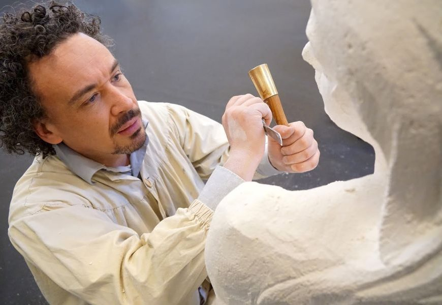 La belle affaire, visite du Sculptorium à LANGEAIS © Sculptorium