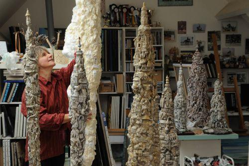 Echange autour de l'exposition de Sylvie Mazereau. à NOGENT-LE-ROTROU © la bel friche
