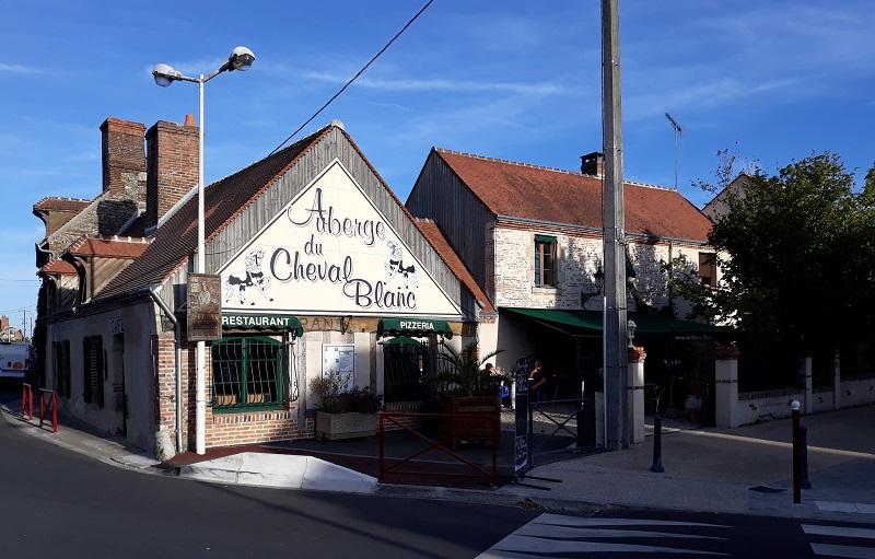 Auberge du Cheval Blanc à TIGY © OTI FPR