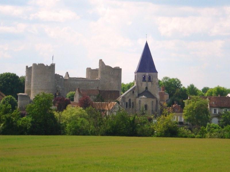 Eglise Saint-Gault de Yèvre-le-Châtel à YEVRE-LA-VILLE © ADRT
