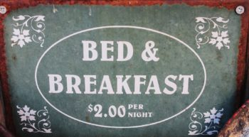 bed-and-breakfast-1431775-960-720-sans-image-TIS-7