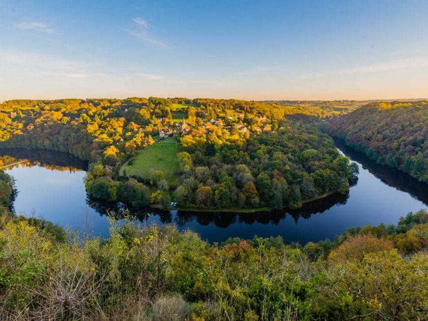 Lac de la Roche-Bat-l'Aigue à BADECON-LE-PIN © teddy Verneuil