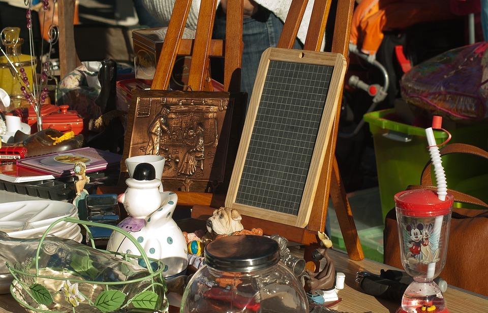 Brocante bric à brac à CHAPELLE-ROYALE © office de tourisme du perche