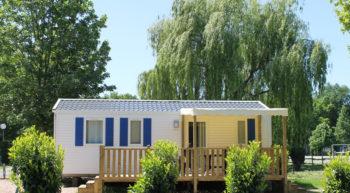 Camping Les Acacias – La Ville-aux-Dames, France.