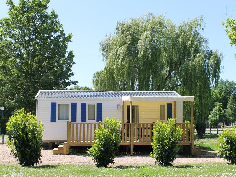 Camping Les Acacias à LA VILLE-AUX-DAMES © Droits réservés