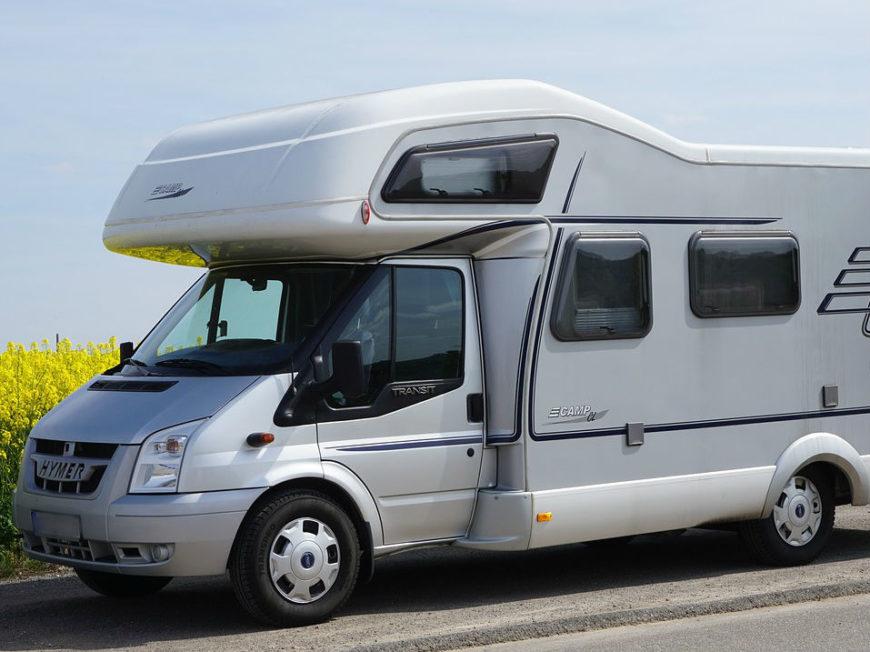 Aire de stationnement de camping-cars d'Ingrandes-de-Touraine à COTEAUX-SUR-LOIRE © libre de droits