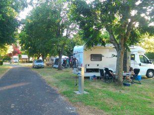 Camping Les Patis à NAZELLES-NEGRON - 2  © Camping Les Pâtis